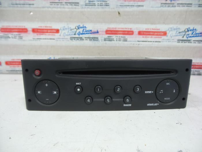 used renault clio ii (bb/cb/sb) 1.2 16v radio cd player - 8200633621