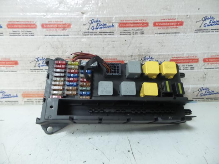 Fuse Box From A Volkswagen Crafter 2 5 Tdi 30 32 35 46