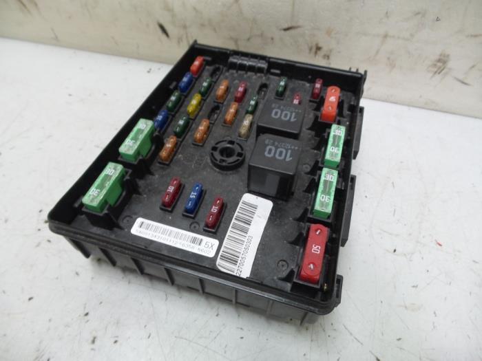 Fuse Box From A Audi Q3 2013: Fuse Box Audi Q3 At Executivepassage.co