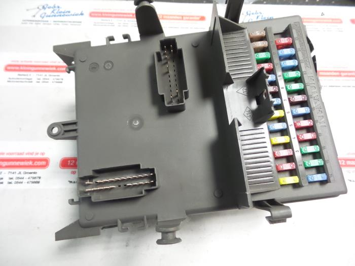 1 used renault espace (jk) 3 5 v6 24v phase ii fuse box 8200447438 espace 4 fuse box at aneh.co
