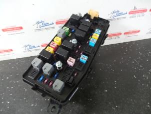 Fuses And Relay Corsa B together with Vauxhall Antara Fuse Box Location also  on fuse box location vauxhall combo