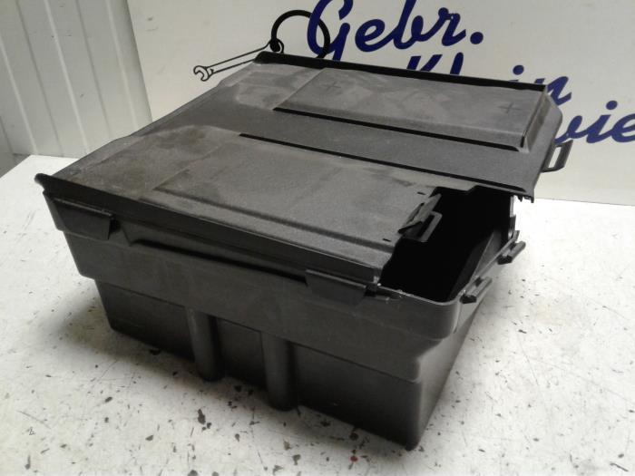 used ford transit 2 2 tdci 16v battery box bk2t10n669ad. Black Bedroom Furniture Sets. Home Design Ideas