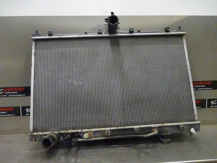 Kühler van een Mitsubishi Grandis (NA) 2.4 16V MIVEC 2005