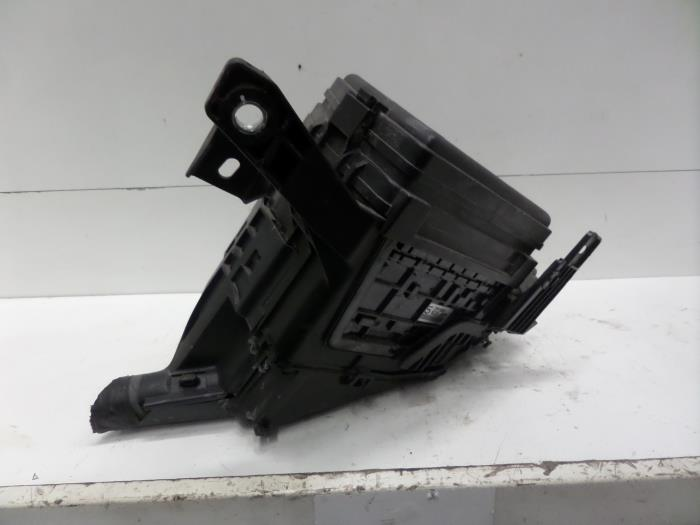 fuse box lexus rx 450h used lexus rx 450h v6 24v vvt i 4x4 fuse box 8272048100  lexus rx 450h v6 24v vvt i 4x4 fuse box