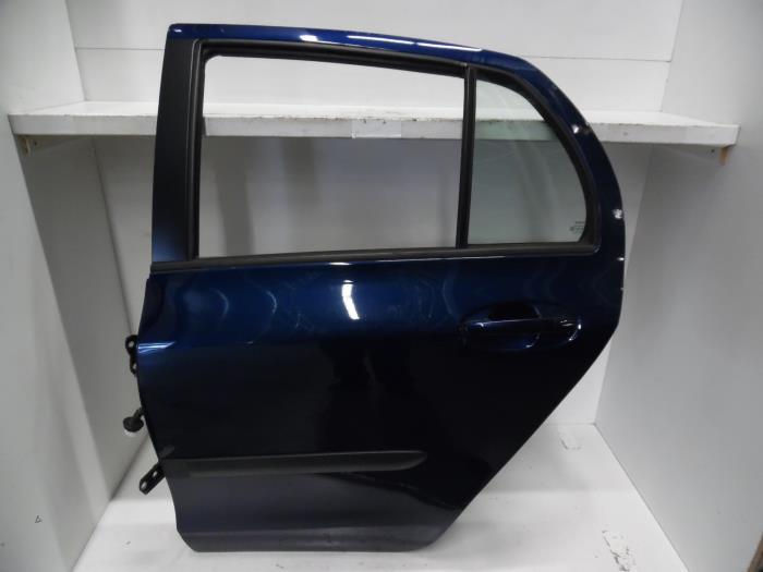 gebrauchte toyota yaris ii p9 1 3 16v vvt i t r 4 t rig. Black Bedroom Furniture Sets. Home Design Ideas
