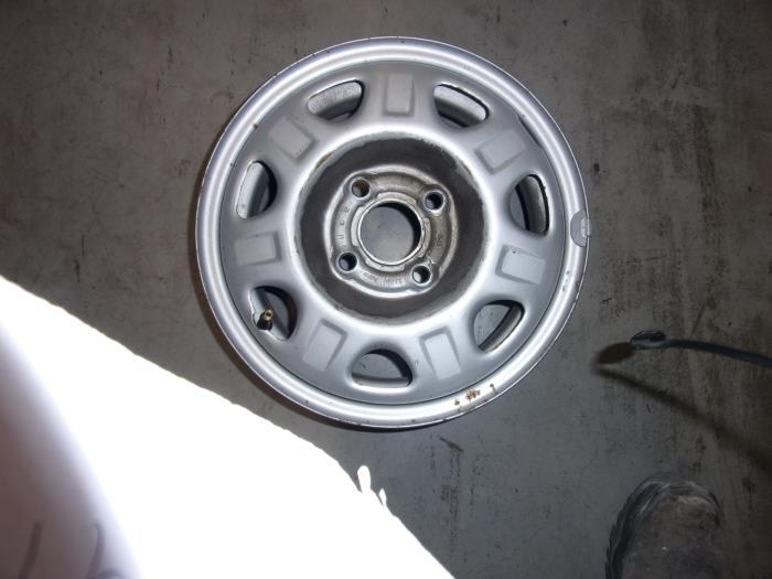 Usage Chevrolet Spark 1 0 16v Bifuel Jante Acier Tole Verhoef Cars Parts Waal Proxyparts Fr