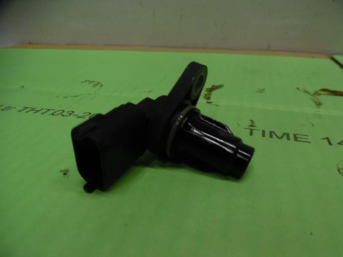 Used Hyundai i10 (F5) 1 2i 16V Camshaft sensor - 393502B000
