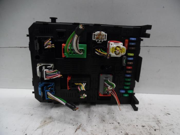 fuse box from a citro�n berlingo 1 6 hdi 90 phase 1 2013