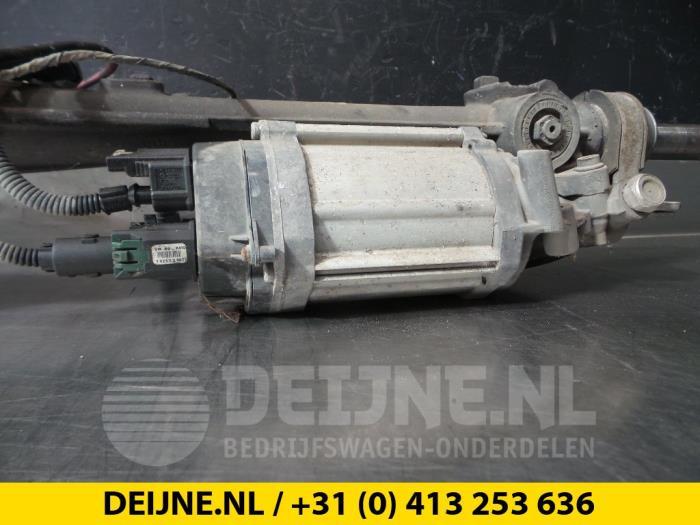 Used Volkswagen Passat Power steering box - 7805277252 - van