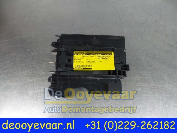 Used Mercedes C (W204) 2.2 C-220 CDI 16V Fuse box ... on 220 switch box, 220 volt wiring box, breaker box, 220 power box, 220 electrical box,