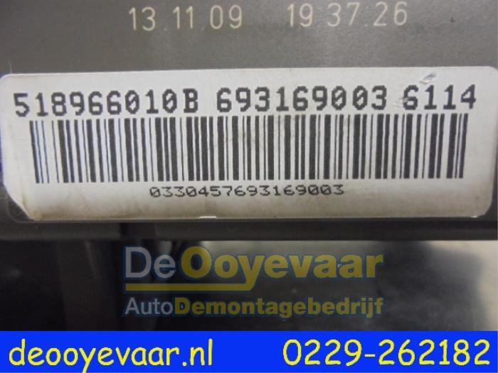 Used BMW X6 (E71/72) xDrive35d 3.0 24V Fuse box ... X Fuse Box Location on