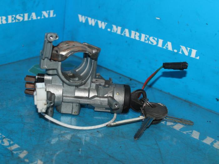 Used Mazda Xedos 6 2 0i V6 24V Ignition lock + key - MARESIA