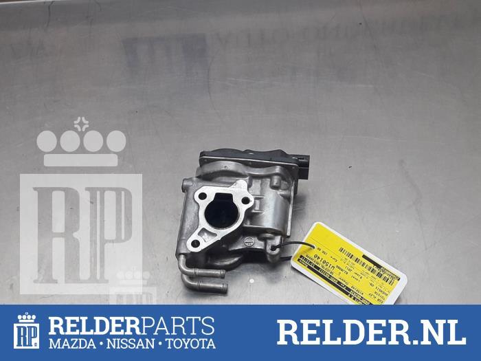 Used Toyota Avensis Wagon (T27) 2 0 16V D-4D-F EGR valve