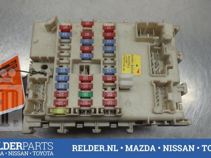 2 used nissan almera tino (v10m) 1 8 16v fuse box 24350bu210 fuse box nissan almera 2003 at n-0.co
