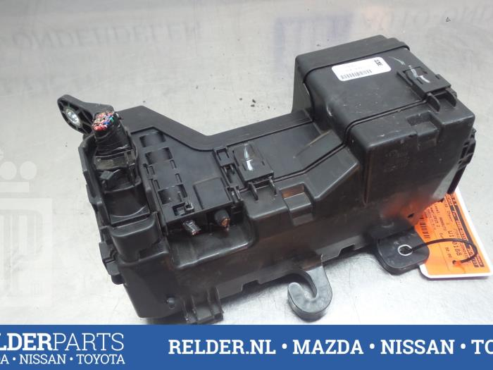 fuse box from a toyota aygo (aygo 14-) (used)