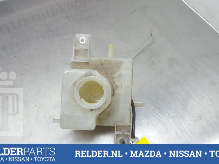 Brake Fluid Reservoir From A Toyota Prius 09 Used