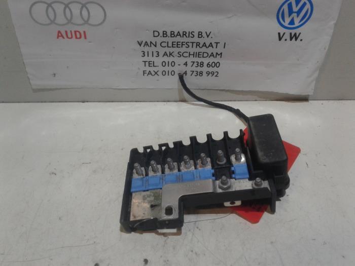 fuse box from a seat ibiza st (6j8) 1 2 tdi ecomotive 2011