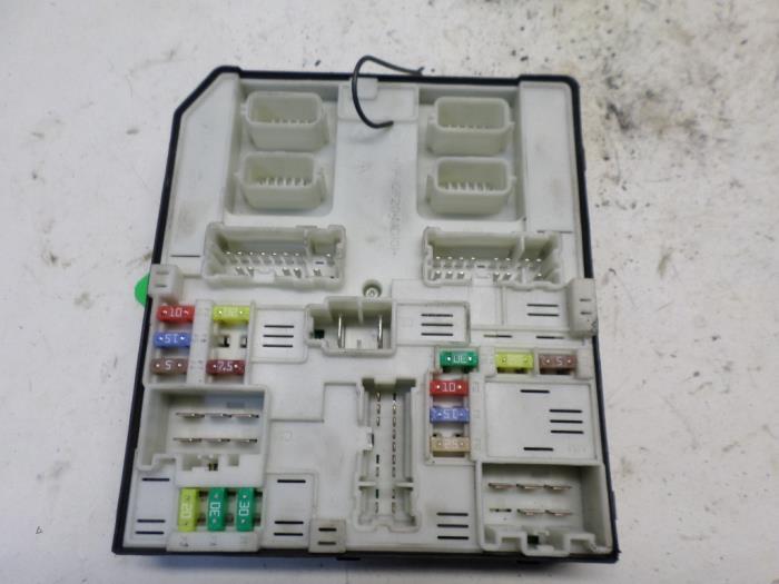 Used Renault Laguna Iii  Bt  1 5 Dci 110 Fap Fuse Box