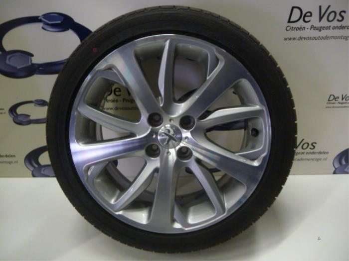 Used Peugeot 208 Caccckcl 16 16v Thp 155 Wheel Tyre