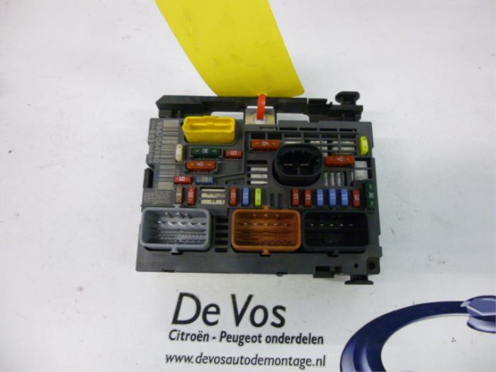 used peugeot 5008 i 0a 0e 2 0 hdif 16v fuse box 9807028580 de rh proxyparts com