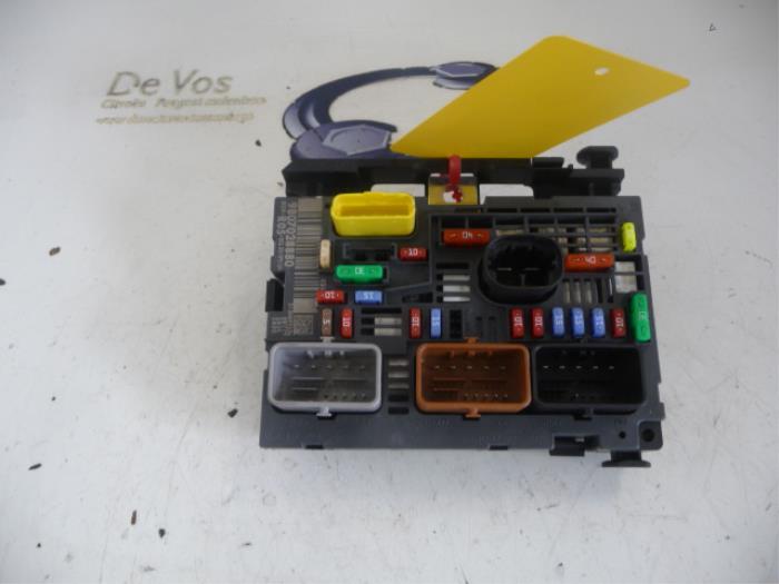used peugeot partner fuse box - 9807028880 - de vos ... peugeot 406 fuse box location #13