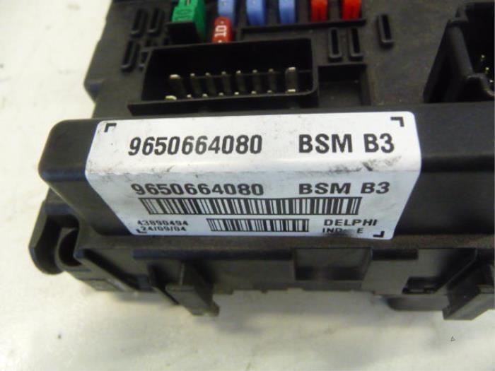 used peugeot 807 fuse box 6500y1 de vos autodemontagebedrijf rh proxyparts com
