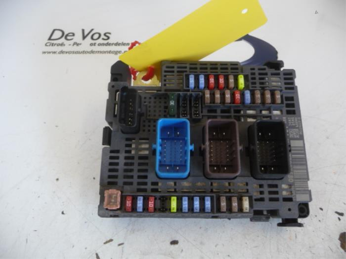used peugeot 508 fuse box 1607285280 de vos autodemontagebedrijf peugeot 508 fuse box layout fuse box from a peugeot 508 2013