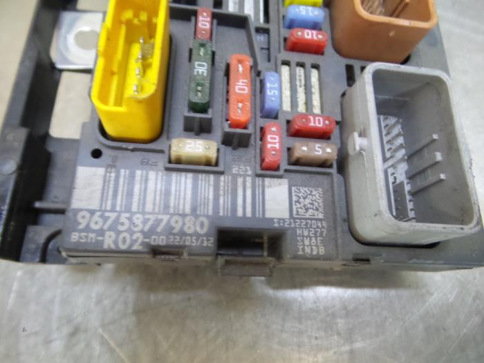 used peugeot 5008 i 0a 0e 1 6 thp 16v fuse box 9675877980 rh proxyparts com