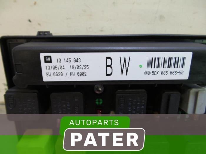 Used Opel Astra H L48 16 16v Twinport Fuse Box 13208748