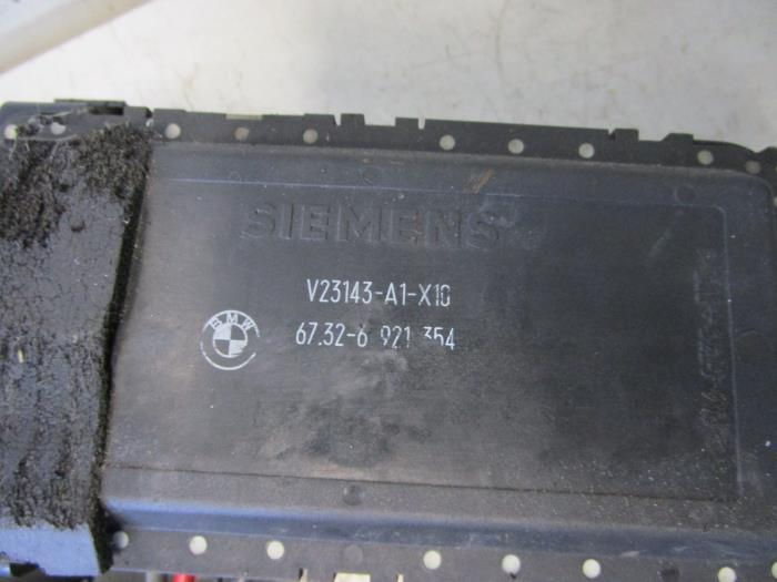 fuse box from a bmw 5 serie touring (e39) 530d 24v 1999