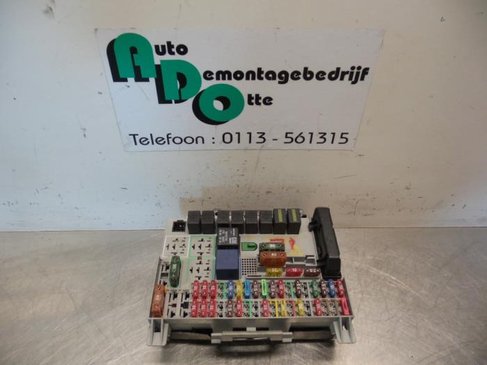 fuse box from a opel astra g (f08/48) 1 8 16v 1998