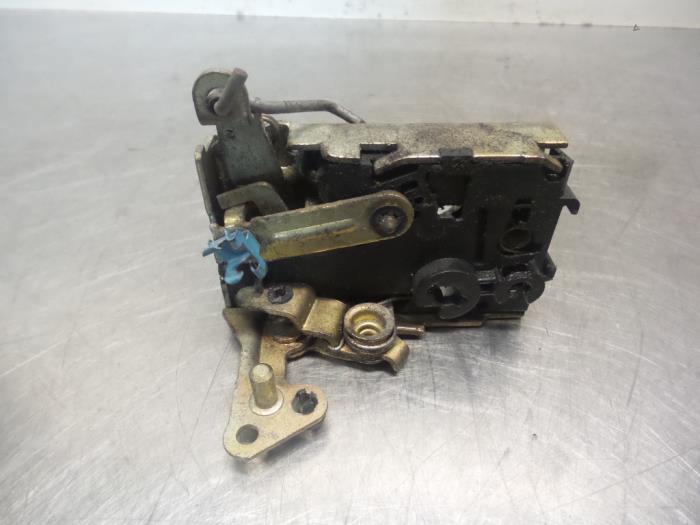Used Citroen Saxo 1 0i X Door Lock Mechanism 2 Door Left