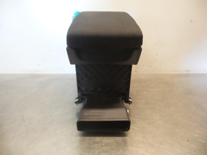 gebrauchte volkswagen passat armlehne 3c0864207p autodemontagebedrijf otte. Black Bedroom Furniture Sets. Home Design Ideas