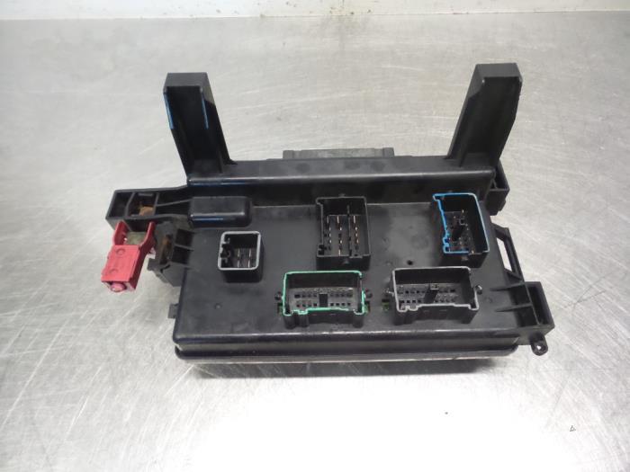 used chrysler 300 c 2 7 v6 24v fuse box 16238ac Chrysler 300 Fuse Truck 1