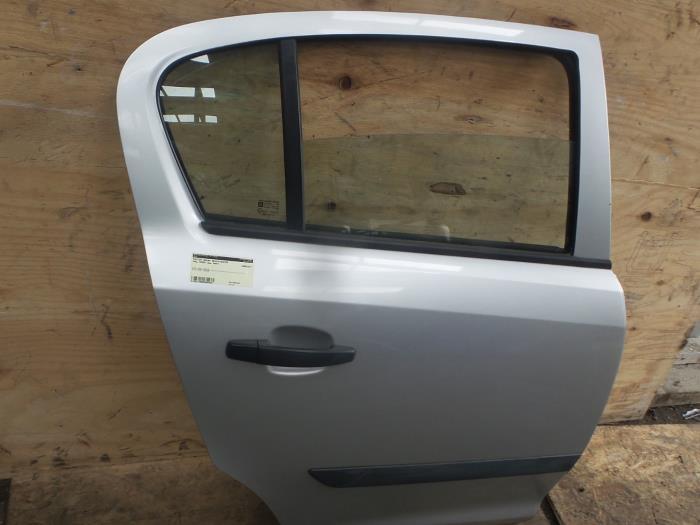 gebrauchte opel corsa d 1 2 16v t r 4 t rig rechts hinten. Black Bedroom Furniture Sets. Home Design Ideas