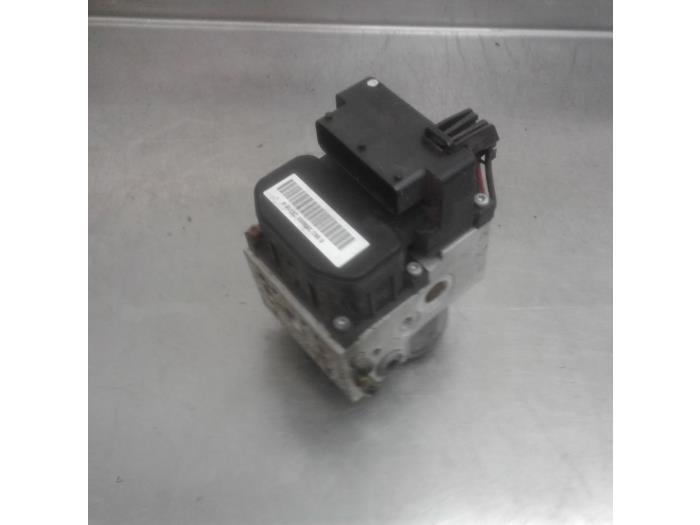 Used Honda Civic (EM2) 1 7 16V ES VTEC ABS pump - 38978316 D17A8