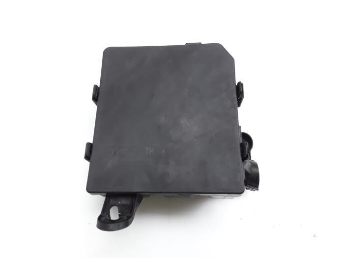 Used Nissan Juke (F15) 1.2 DIG-T 12V Fuse box - 284B71TX2A ... on