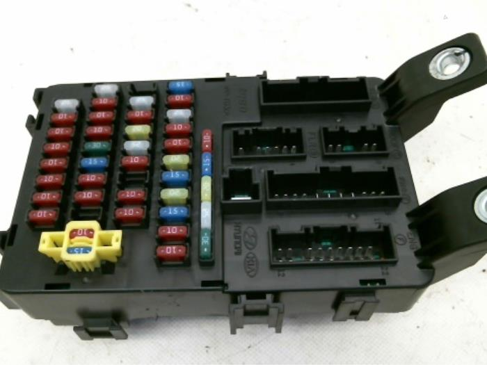 Used Hyundai Accent 1 6i 16v Fuse Box