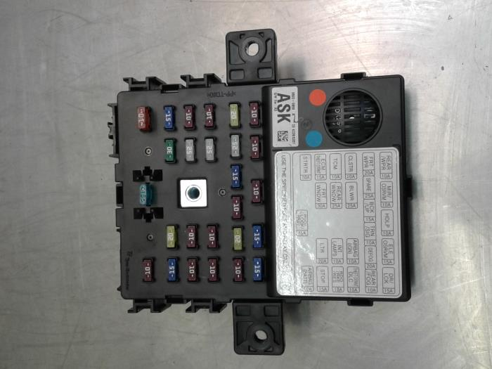 used chevrolet spark 1 0 16v bifuel fuse box 95020899 japoto rh proxyparts com Fuses and Circuit Breakers Circuit Breaker Fuse Replacement