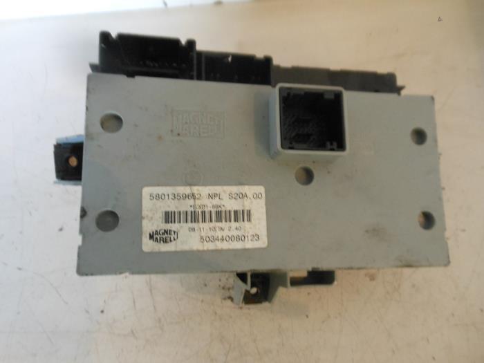 2 used iveco new daily iv 35c17v, 35c17v p, 35s17v, 35s17v p fuse 2009 iveco daily fuse box at honlapkeszites.co