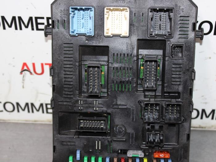 fuse box from a peugeot 307 sw (3h) 1 6 16v 2006