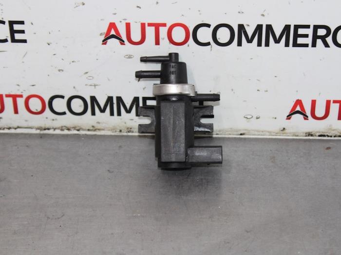 Used Volkswagen Passat (3B3) 1 9 TDI 100 Vacuum relay