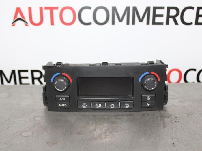Panneau de commandes chauffage d'un Peugeot 207/207+ (WA/WC/WM) 1.4 16V Vti 2012