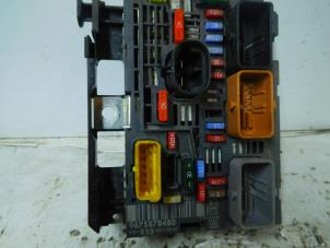 used peugeot 308 4a c 1 6 hdi fuse box 9675878480. Black Bedroom Furniture Sets. Home Design Ideas