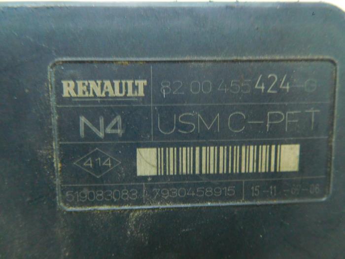 used renault megane ii grandtour  km  1 9 dci 130 fuse box