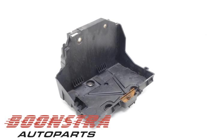 usagé renault kangoo express (fw) 1.5 dci 70 boîtier de batterie