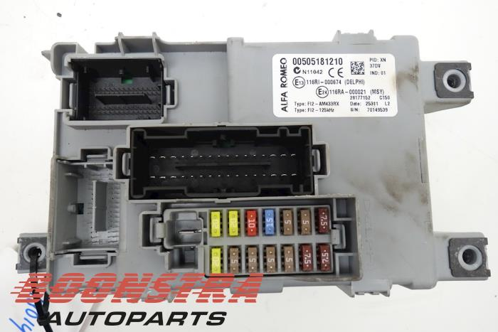 fuse box from a alfa romeo mito (955) 1 3 jtdm 16v eco 2011