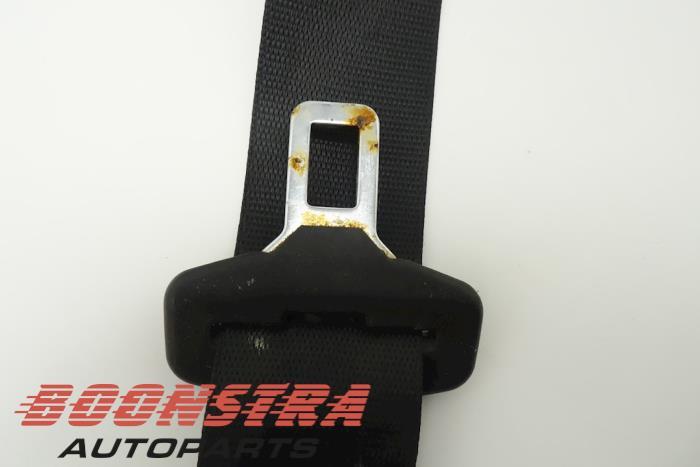 Insertion ceinture de sécurité avant gauche d'un BMW 5 serie (E60) 530d 24V 2006