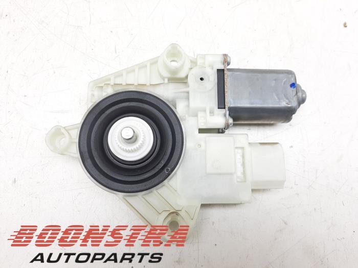 Fenstermotor Tür van een BMW 5 serie (G30) 520i 2.0 TwinPower Turbo 16V 2018