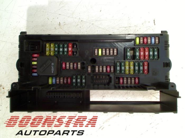 used bmw 6 gran coupe f06 640d 24v fuse box 9252815 boonstra autoparts. Black Bedroom Furniture Sets. Home Design Ideas